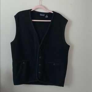 RARE Patagonia button up fleece vest